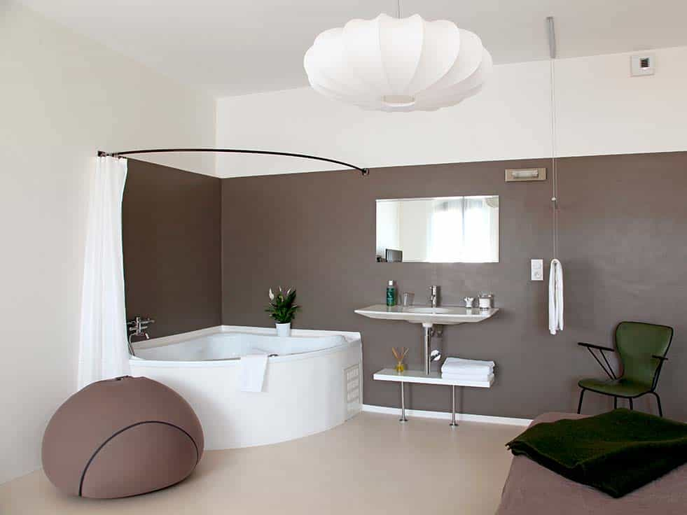Boutique bed and breakfast in Provence, design rooms with jacuzzi