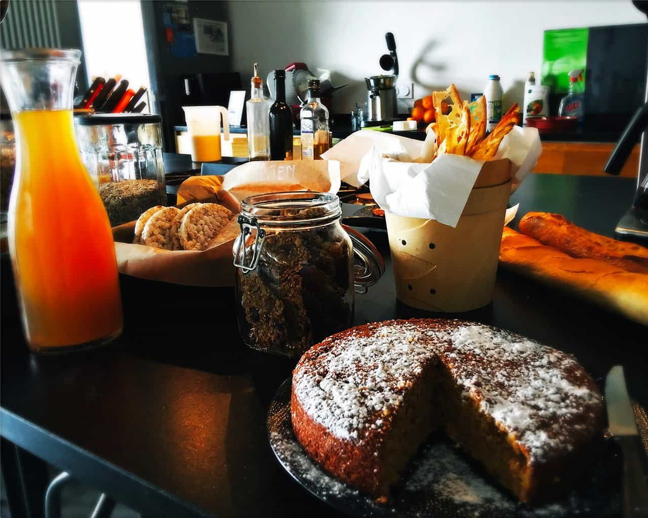 Petit déjeune gourmand à la table d'hôte du Metafort dna sle luberon en Provence